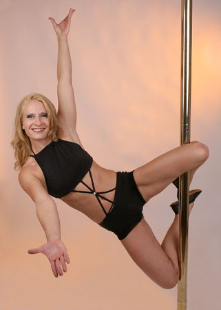 Alina Schmidt Pole Dancing Instructor