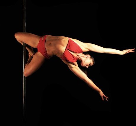 Justine McLucas pole dancing picture