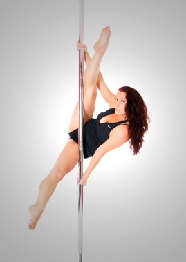 Nia Pearce pole dancer