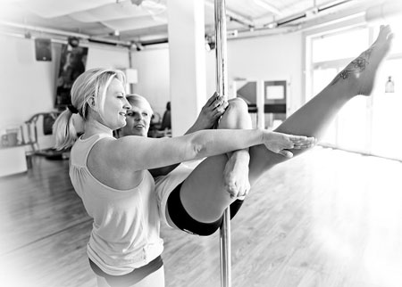 Alina Schmidt Buttke pole dance teacher