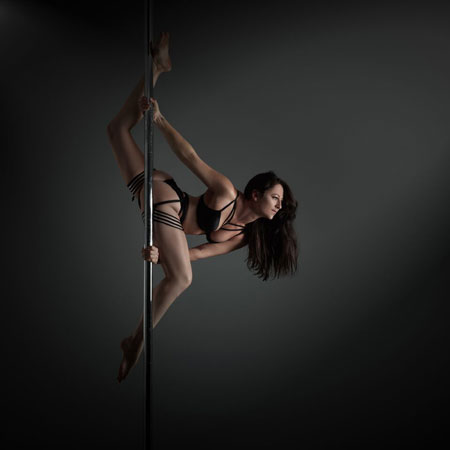 Chloe Anderson Pole Dance Instructor