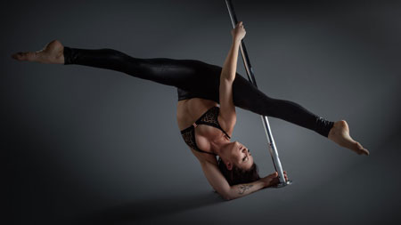 Chloe Anderson Pole Dance Performer