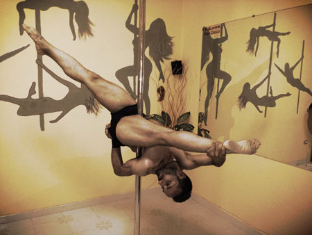 Ciro Esposito Pole Dance Teacher