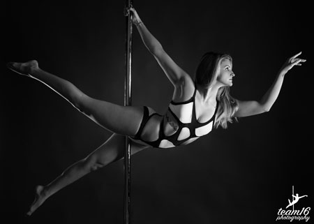 Julie Santos Pole Fitness Teacher