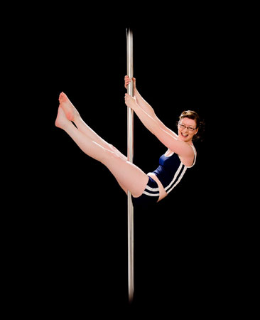 Kirstin McKenzie Pole dancing instructor