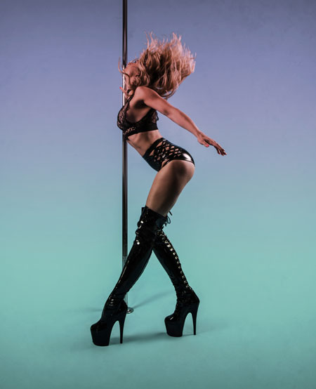 karrie hammersley pole dancing instructor