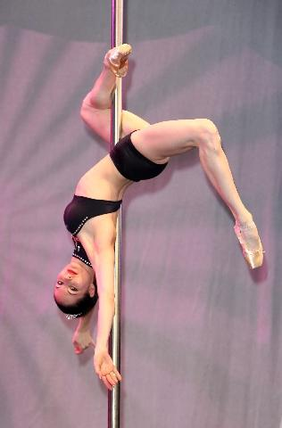 elena gibson pole dancing pointes