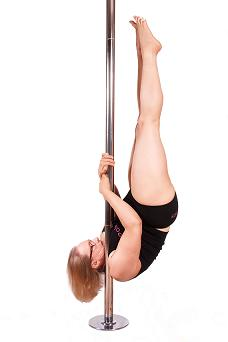 karen Daly pole dancing picture