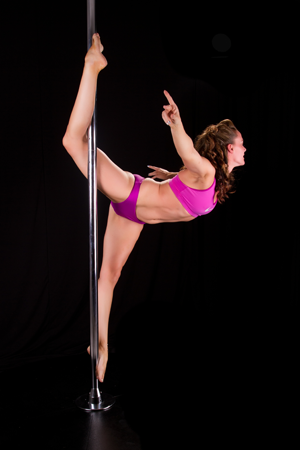 Leana Darbyshire Fitness Pole Dancing