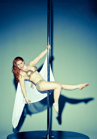 Vivien Feld Pole Fitness teacher