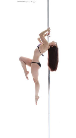Zorena Roe Pole dancing instructor